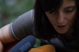 "Watch Sharon Van Etten Play New Song ""Tarifa"" For KEXP"