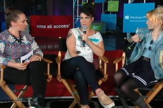 Watch Grimes And Kathleen Hanna Discuss Beyoncé, Riot Grrrl, And Feminism On MTV's VMA All Access