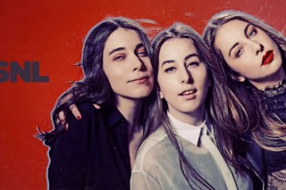 Watch HAIM (And An Epic Outfield Tribute) On <em>SNL</em>
