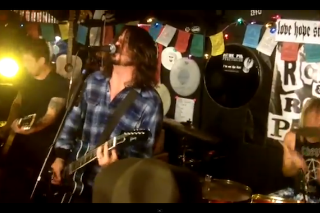 Watch Video From Foo Fighters' Surprise Show At A California Pizza Place