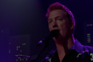 Watch Queens Of The Stone Age Do &#8220;Smooth Sailing&#8221; On <em>Austin City Limits</em>