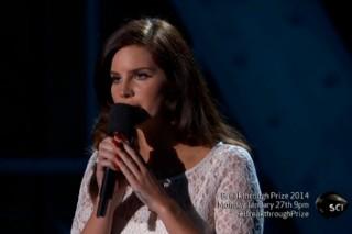 Watch Lana Del Rey Play The 2014 Breakthrough Prizes