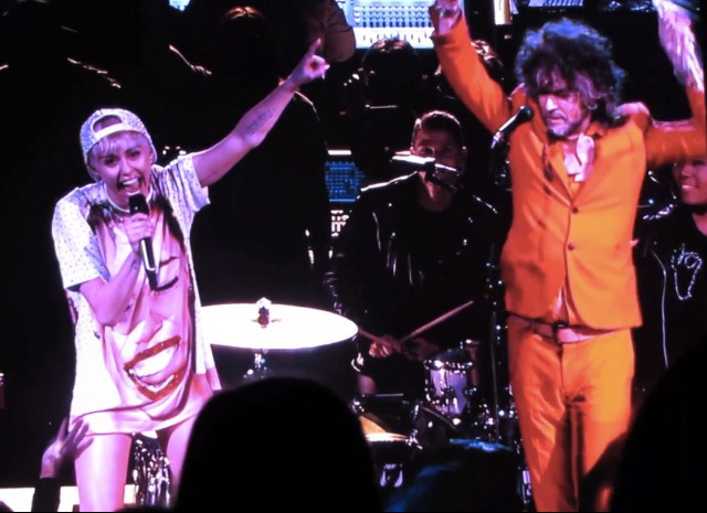 Miley Cyrus & The Flaming Lips @ Staples Center 2/22/14