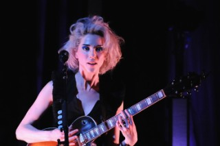"Watch St. Vincent Cover Nirvana's ""Lithium"" In Chicago"