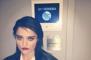 Watch Sky Ferreira Play <em>The Tonight Show</em> With Lasers