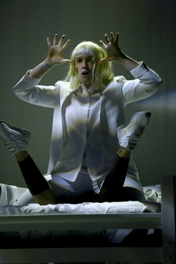 Singer sia chandelier about