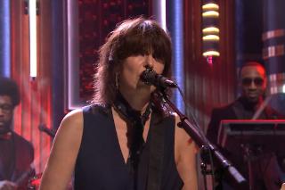 Watch Chrissie Hynde On <em>Colbert</em>, <em>Fallon</em>