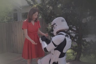 "Neko Case & Kelly Hogan – ""These Aren't The Droids"" Video (Feat. Ellie Kemper)"