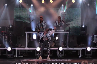 Watch Röyksopp &#038; Robyn Play <em>Kimmel</em>