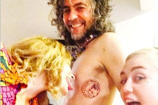 Wayne Coyne & Miley Cyrus Got Matching Chest Tattoos Of Her Dead Dog