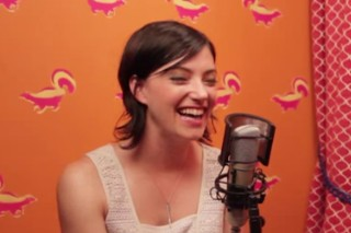 Watch Sharon Van Etten Play Shade Or No Shade On Funny Or Die