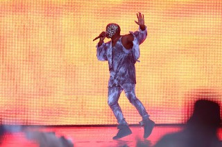 Kanye Fills In For Drake At Wireless Festival
