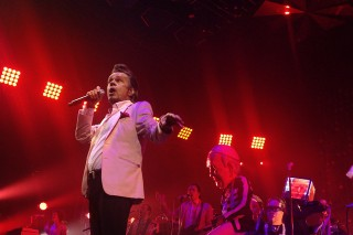 """Watch Arcade Fire Cover """"Hot Hot Hot"""" With Buster Poindexter In Brooklyn"""