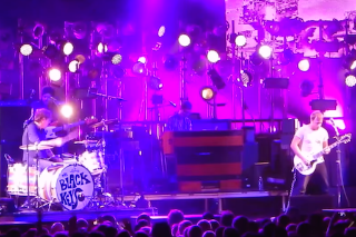 "Watch The Black Keys Cover Edwyn Collins' ""A Girl Like You"""