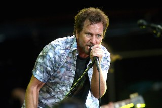 Watch Pearl Jam Cover The Who & Tom Petty In Milwaukee