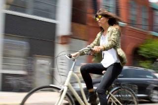 Watch Eleanor Friedberger's Lucky Brand Jeans Spot