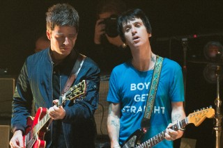 Watch Noel Gallagher Join Johnny Marr On Smiths & Iggy Pop Songs In London