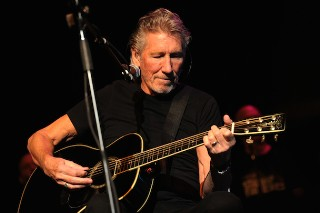Roger Waters Tells Confused Fans He's Not On The New Pink Floyd Album Because He Left Pink Floyd In 1985