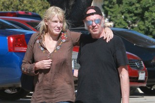 Graham Nash Discusses The Crosby/Young Feud Seemingly Centered Around Daryl Hannah