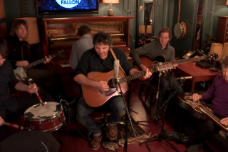 Watch Wilco Play &#8220;I&#8217;m The Man Who Loves You&#8221; Backstage At <em>The Tonight Show</em>