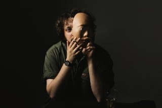 """Oneohtrix Point Never – """"Rush"""" & """"Bubs"""" (Feat. A. G. Cook)"""