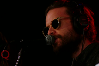 Watch Father John Misty Gracefully Glide Through &#8220;I Love You, Honeybear&#8221; On <em>Q</em>
