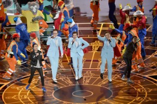 Watch Tegan And Sara And The Lonely Island Perform On The Oscars