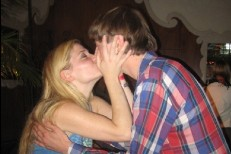 marnie_stern-kissing_booth.jpg