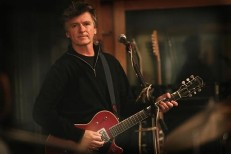 neil_finn-seven_worlds_collide_2.jpg