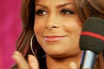 <em>American Idol</em> Contestant Commits Suicide At Paula Abdul&#8217;s House