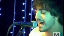 """New El Guincho – """"Bombay"""" (Live)"""