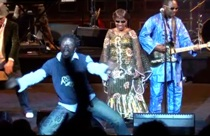 "New Amadou & Mariam Live Video – ""Sekebe"" (At Studio 104)"