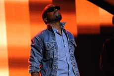 Kanye Does That Thing He Does That Resembles Singing On <em>American Idol</em>