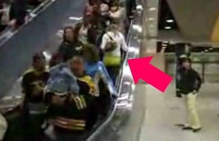 escalatorgirl.jpg