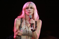 Courtney Love Revives Hole