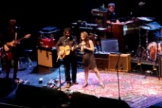 "Wilco & Feist Do ""You & I"" Live In L.A."