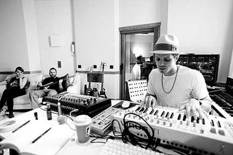 Jake Shears Talks New Scissor Sisters Album