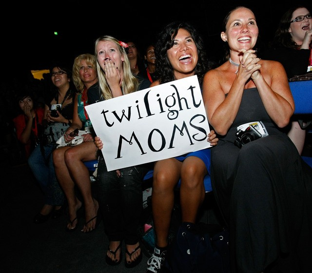twilight_moms.jpg
