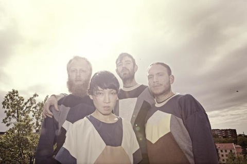 """New Little Dragon – """"Feather"""" & """"Looking Glass"""""""
