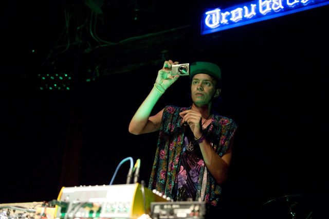 HEALTH/Pictureplane/Mi Ami/Dam Funk @ The Troubadour, West Hollywood 9/9/09 7