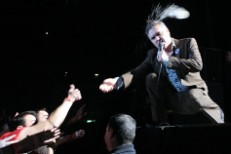 Bottled Moz Cuts Off UK Gig After One Song