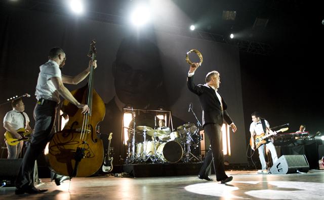 Morrissey/Doll & The Kicks @ Hard Rock Hotel, Las Vegas 12/4/09 2