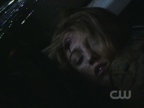 Gossip Girl S03E12: If Serena Bleeds, Serena Can Be Killed