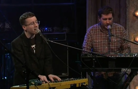 """Hot Chip Have A """"One Life Stand"""" With Fallon"""