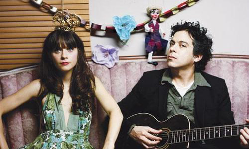 "She & Him – ""Thieves"" (Live On BBC)"