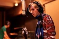 "Beck, Liars, St. Vincent & Os Mutantes – ""Devil Inside"" (INXS Cover)"