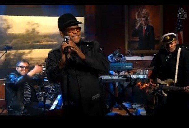 Gorillaz Do Colbert