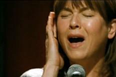 Renee Zellweger Sings Bob Dylan