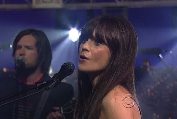 """She & Him Bring """"In The Sun"""" To Letterman"""