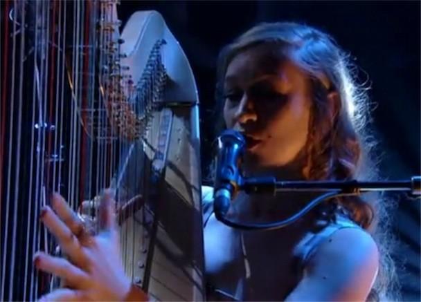 "Joanna Newsom - ""81"" Jools Holland Video"